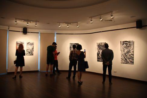 pamela-chrabieh-exhibition-engaging-gazes3