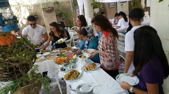 Learning through food at the american university in dubai for Anthropology of food and cuisine